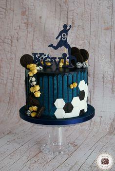 Birthday cake ideas for men football 23 Trendy Ideas - Desserts 30th Birthday Cakes For Men, Football Birthday Cake, Healthy Birthday Cakes, Cake Birthday, Birthday Cake Kids Boys, Bolo Drip Cake, Drip Cakes, Teen Cakes, Cakes For Boys