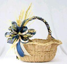 Fruit Flower Basket, Flower Girl Basket, Easter Baskets, Gift Baskets, Tobacco Basket Decor, Diy Lace Ribbon Flowers, Tea Lounge, Rakhi Design, Modern Flower Arrangements