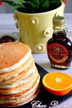 Pour le goûter d'aujourd'hui ce fût des pancakes, un goûter facile et rapide pour un résultat excellent ! Ces pancakes son tellement moelleux ,légers qu'il est bien pénible d'être raisonnable pour ne pas en engloutir la moitié de l'assiette ! sans temps...