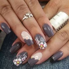 nail art designs 2019 nail designs for short nails step by step essie nail stickers nail art stickers how to apply best nail stickers 2019 Nails Polish, Nail Polish Designs, Toe Nails, Nail Art Designs, Ongles Beiges, Trendy Nail Art, Flower Nail Art, Nagel Gel, Powder Nails
