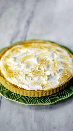 A maravilhosa combinação da banana com doce de leite em uma linda e deliciosa torta!