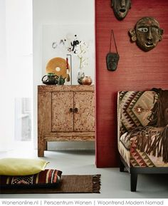 Display your souvenirs! New interior trend Modern Nomad - www. African Interior Design, African Design, African Style, African Fashion, Ankara Fashion, African Women, African House, African Home Decor, Global Style