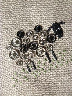 Pecorella con bottoni