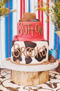 Una espectacular tarta para una fiesta vaquero / A spectacular cake for a cowboy party