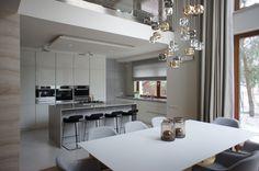najpiekniejsze wnetrz domu otwarta przestrzen - Szukaj w Google Natural Light, Conference Room, Table, House, Furniture, Design, Home Decor, Lighting, Google