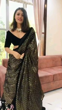 Party Wear Indian Dresses, Designer Party Wear Dresses, Dress Indian Style, Indian Fashion Dresses, Indian Designer Outfits, Indian Outfits, Fancy Dress Design, Stylish Dress Designs, Anarkali