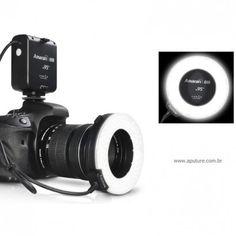 Flash Ring Amaran CRI95+ para Nikon - Flash Ring Amaran Led para câmeras Nikon, perfeito para iluminação macro.  O Flash Ring HN100 comNOVOrecurso CRI95+ proporcionacores mais vivas e naturais.  O índice de cor de composição (CRI) é uma medida da capacidade de uma fonte de luz para reproduzir as cores de vários objetos fielmente em comparação com uma fonte de luz natural, ou ideal. Ele funciona dando luz constante, brilhante e uniforme para conseguir os seus desejados efeitos ...