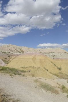 View from the top of the overlook mound - Picture of Yellow Mounds Overlook, Badlands National Park - Tripadvisor Badlands National Park, National Parks, Park Pictures, South Dakota, Acre, Trip Advisor, United States, Photo And Video, Yellow