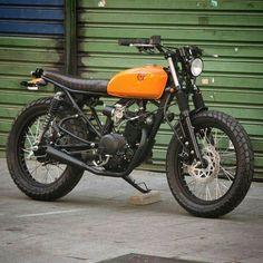 Honda Scrambler, Scrambler Motorcycle, Honda Motorcycles, Moto Car, Moto Bike, Tracker Motorcycle, Motorcycle Style, Vintage Bikes, Vintage Motorcycles
