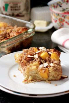 Mango Crumble Breakfast Bake by biggirlssmallkitchen #Cake #Breakfast #Mango #biggirlssmallkitchen