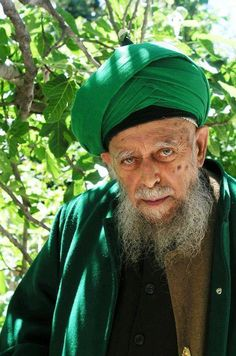 Sultan Ul Awliya, Mawlana Shaykh Muhammad Nazim Adil al Haqqani( May God Almighty and Exalted, Sanctify his secret)- World Leader of The Distinguished Naqshbandi Sufi order!