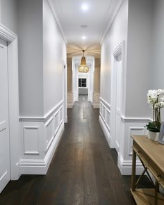 Check out these 32 design ideas for inspiration for you Hamptons style home. Hamptons is inspired by the Hamptons houses along New York's famous Coastline. Home Room Design, Home Interior Design, House Design, Hallway Decorating, Interior Decorating, Wainscoting Panels, Wainscoting Ideas, Wainscoting Dining Rooms, Wall Panelling