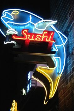 Neon Light Signage & Signage With Light neon light signage \ signage with light & signage with ligh Old Neon Signs, Vintage Neon Signs, Old Signs, Disco Licht, Neon Rosa, Sushi, Led, All Of The Lights, O Gas