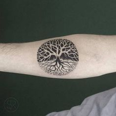 watercolor tree of life. Would be fucking sweet if the negative faded into the positive in the shape of a yin yanh