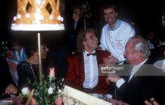 'Thomas Gottschalk, Chris de Burgh, Gast, ARD-Gala ''Sportler des Jahres 1984'' am in München, Deutschland. (Photo by Peter Bischoff/Getty Images)'