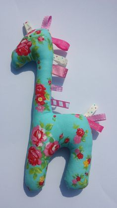 Baby Taggie Giraffe by BabyBunniesBoutique on Etsy Giraffe, Baby Gifts, Dinosaur Stuffed Animal, Gift Ideas, Toys, Handmade Gifts, Animals, Activity Toys, Kid Craft Gifts