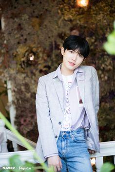 Kim Jae Hwan - The first mini album 'Another' Promotion. K Pop, Jaehwan Wanna One, Arin Oh My Girl, Lee Daehwi, Ong Seongwoo, Kim Jaehwan, Ha Sungwoon, Shownu, Jinyoung