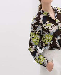 Image 5 of PRINTED BLOUSE WITH BUTTONS from Zara