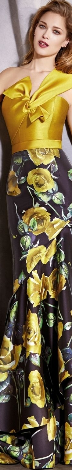 Valerio Luna 2018 Beautiful feminine look. Fashion Night, Only Fashion, Womens Fashion, Yellow Fashion, Floral Fashion, Elegant Dresses, Women's Dresses, Fashion Week 2018, Fashion Details