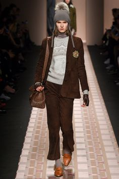 See the complete Trussardi Fall 2017 Ready-to-Wear collection.
