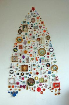 Image from: http://www.apartmenttherapy.com/janes-wall-collection-christma-72170
