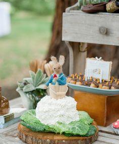 O charme de uma festa no jardim. Veja mais: http://www.casadevalentina.com.br/blog/materia/festinha-ao-ar-livre.html  #party #festa #garden #yard #jardim #decor #decoracao #details #detalhes #casadevalentina