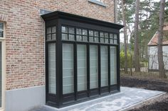 Amazing garage doors - All About Balcony Side Hinged Garage Doors, Wooden Garage Doors, Garage Door Styles, Garage Door Design, Sas Entree, Architecture Renovation, Sectional Garage Doors, Chalet Chic, Carriage Doors