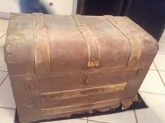 They Found Grandpa's Secret Trunk After He Died. They Weren't Ready For What Was Inside - Dose - Your Daily Dose of Amazing