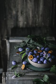 Rustic Food Photography, Food Photography Props, Fruit And Veg, Fresh Fruit, Photography Composition Techniques, Old Wooden Boxes, Vintage Recipes, Smoothie Bowl, Veggies