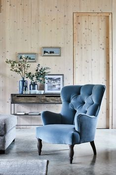 The Pinter armchair
