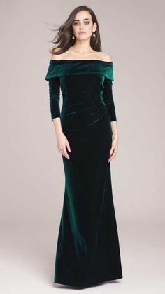 Off the Shoulder Emerald Green Velvet Gown