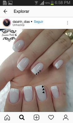 The advantage of the gel is that it allows you to enjoy your French manicure for a long time. There are four different ways to make a French manicure on gel nails. Creative Nail Designs, Creative Nails, Nail Art Designs, White Nails, Red Nails, Glitter Nails, Nail Design Spring, Stylish Nails, Nail Decorations