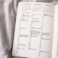 Minimalist bullet journal inspiration that will increase productivity, organization and time management. Embrace the simple life! Minimalist Bullet Journal, Bullet Journal Notes, Bullet Journal Hacks, Bullet Journal How To Start A, Bullet Journal Spread, Bullet Journal Layout, Bullet Journal Inspiration, Bujo Planner, Journal Pages