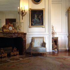 chateau de versailles    by www.louvrepourtous.fr