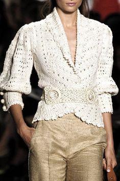 Oscar de la Renta at New York Fashion Week Spring 2006 Knit Fashion, Womens Fashion, Modelos Fashion, Elegant Woman, Feminine Style, New York Fashion, Knitwear, Luxury Fashion, Ideias Fashion