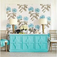 refurbished-console-table-color-of-the-month-tantalizing-turquoise-home-design-and-decorating-ideas-trends-and-inspiration.jpg (430×433)