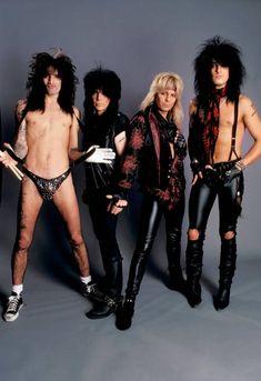 Tommy Lee Motley Crue, Motley Crue Nikki Sixx, 80s Rock Bands, 80s Hair Bands, Heavy Metal Bands, Heavy Metal Style, 80s Metal Bands, Heavy Metal Girl, Heavy Metal Music