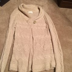 Banana Republic sweater Beige color. soft and comfy Banana Republic Sweaters Cardigans