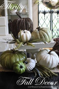 Fall Decorating Ideas | http://www.lilacsandlonghorns.com/fall-decorating-ideas.html