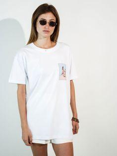 CAMISETA ROMANCE A camiseta Unissex Relax Offwhite tem uma malha com algodão  cultivado sem agrotóxicos por 0bd6f8a00cdef