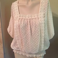 WOMEN'S PREFECT SUMMER BLOUSE SIZE MMAKE OFFER Women's Wrapper Blouse Size M, 20% OFF BUNDLES OF 3 OR MORE ITEMS BUNDLE AND SAVE. VISIT MY CLOSET AND BROWSE HUNDREDS OF ITEMS TODAY.. SWIMSUITS, CLOTHING, SHOES AND MORE AT GREAT PRICES... Wrapper Tops Blouses