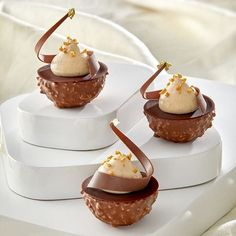 Get inspired by @cemoichocolatier - check out their professional product line www.pro.cemoi.fr @chefstalk lives you #cemoichocolate #chocolatelovers #ChefsTalk .