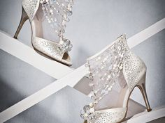 Ever since we were little we knew that a beautiful pair of shoes is an essential part of happily-ever-after. If you're dreaming of a romantic pair of fairytale-inspired wedding shoes to complete your princess-worthy look, our collection below will make the shoe quest easier! We're head over heels in love with these gorgeous picks, get …