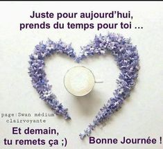 Je vous souhaite des dizaines de sourires, rires et une tonne de fun, motivation et inspiration pour toute la journée. Cliquez sur l'image ! #humour #bonnehumeur #bonheur #motivation #fun #bienetre #confinement #zen #rire #sourire #detente #joie Tonne, Facebook Sign Up, Motivation, Crochet Earrings, Messages, Minions, Zen, Photos, Inspiration