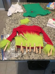 Whoville: Grinch Inspired Outfit Tutorials - Cloud 9 Studios - Wesley Chapel, Florida Kids Grinch Costume, Grinch Halloween, Grinch Santa, Grinch Christmas, Halloween Projects, Halloween 2020, Baby Halloween, Halloween Costumes For Kids, Christmas Photos