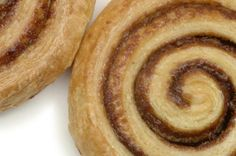 Marmite and cheese whirls - use JusRoll puff pastry; sub butter for vegan marge; sub beaten egg for water or any unsweetened plant milk; sub grated cheese for nooch Vegan Recipes, Cooking Recipes, Vegan Food, Puff Pastry Recipes, Marmite, Home Baking, Holiday Appetizers, Grated Cheese, Cooking With Kids