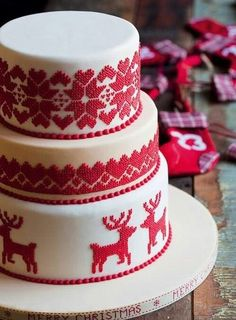 A wintry, fair isle-themed wedding cake   Brides.com