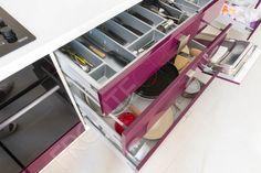 Bucătărie Grape - Mobilier La Comandă - Fabrică București Shoe Rack, Kitchen, Home, Design, Cooking, Shoe Racks, Kitchens, Ad Home, Cucina