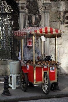 Typical street vendor in Istanbul selling roasted chestnuts (kestane). #istanbul #turkey #food #turkishfood #chesnut