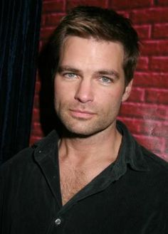 Daniel Cosgrove  ATWT Star...as chris hughes!